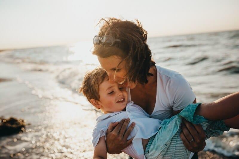 8 meilleurs sites de rencontre et applications pour les parents solos en 2020