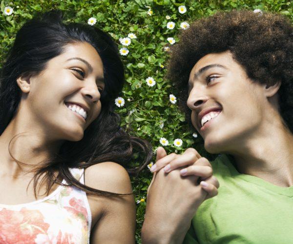 Relations chrétiennes entre adolescents, amitiés, rencontres
