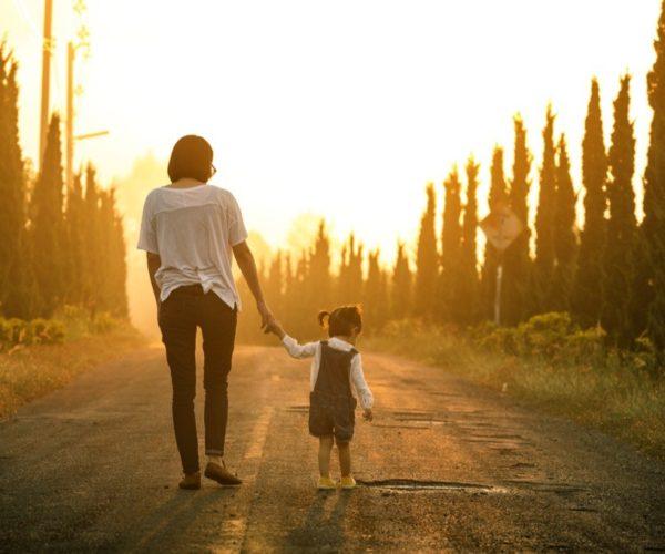 Rencontre avec une mère célibataire: 20 choses importantes que vous devez savoir