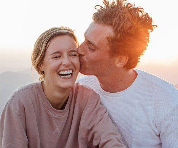 6 façons de faire fonctionner une relation introvertie-extravertie