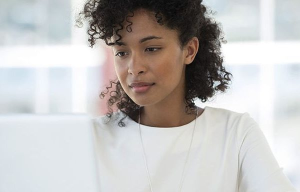 Comment analyser un profil de rencontre en ligne?