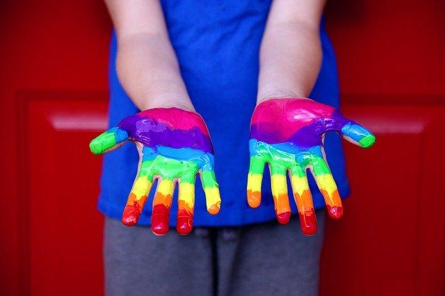 LGBT: 5 conseils pour élever un enfant ensemble